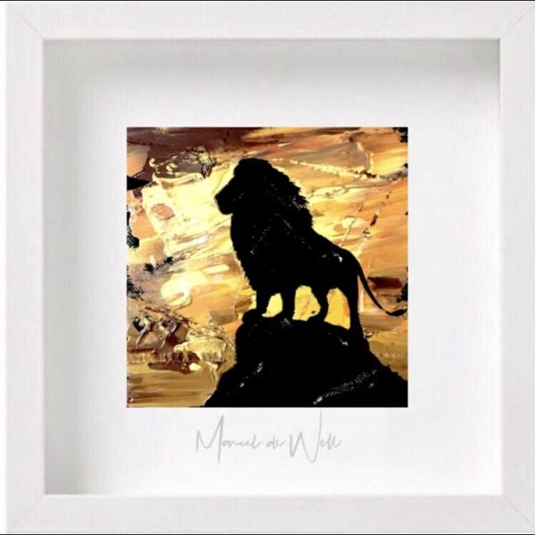 Löwe auf Felsen